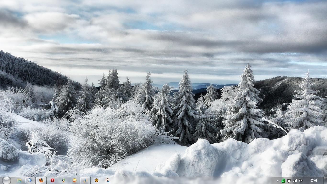 Scarica winter white theme per windows 7 screensaver for Desktop gratis inverno